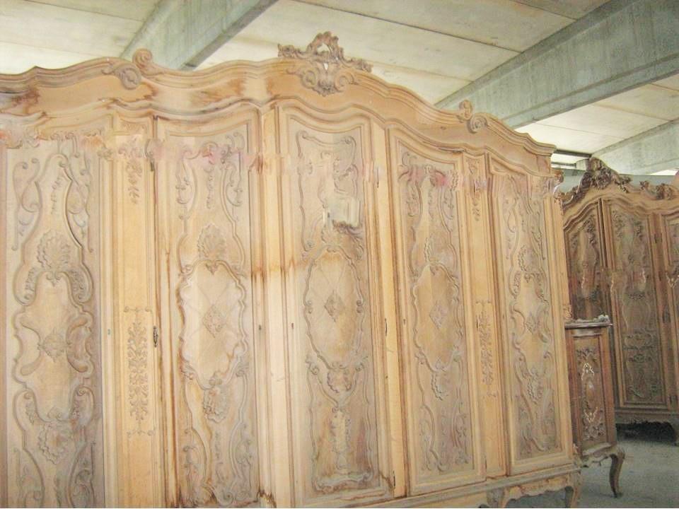 Armadio in legno massello di noce for Armadio seconda mano
